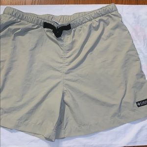 Columbia khaki hiking shorts with side pockets (L)